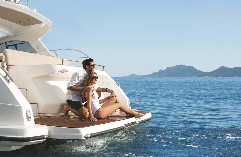 Морская прогулка для двоих на яхте