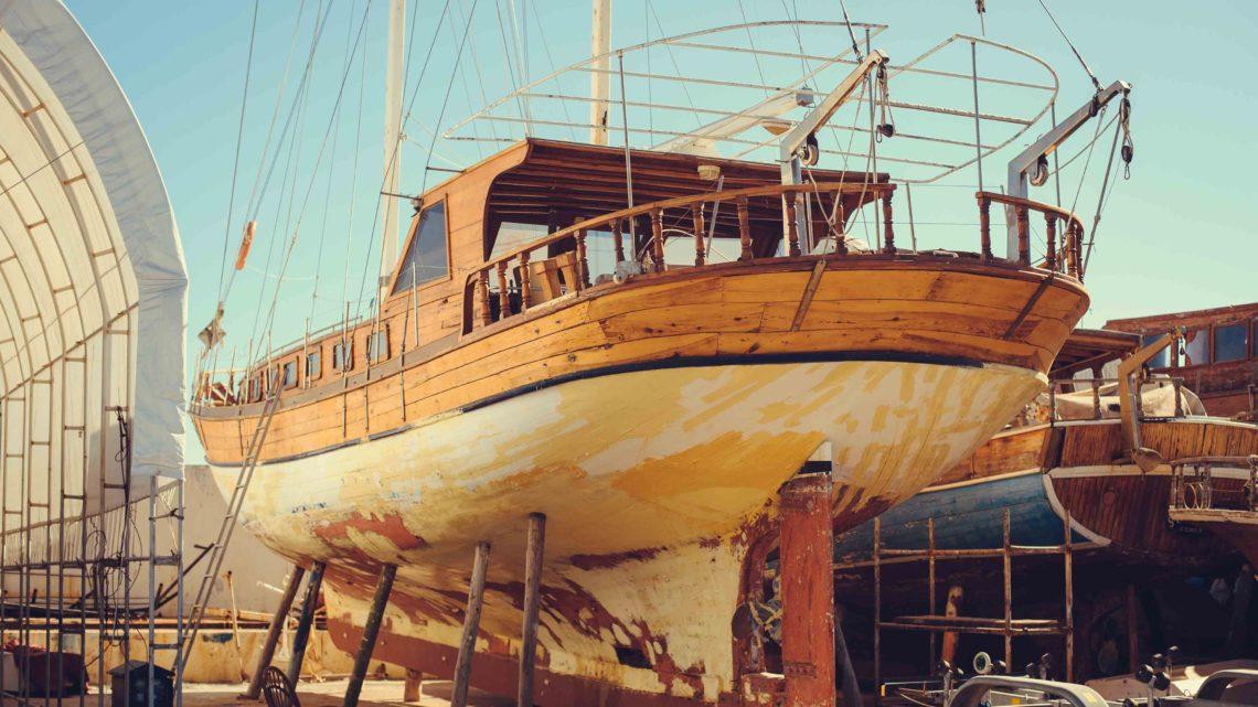 ремонт деревянного корпуса яхты