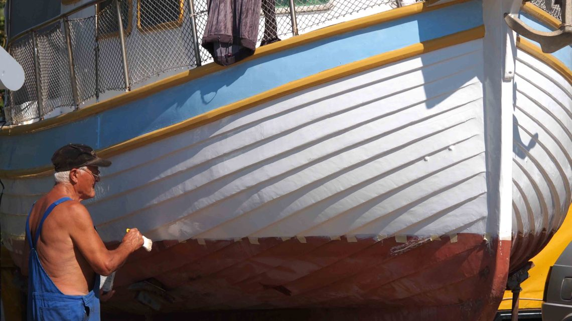 ремонт катеров и яхт на суше